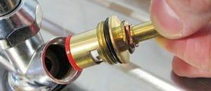 Как заменить кран буксу: керамическая и червячная