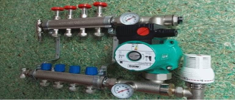 Распределительный коллектор отопления с циркуляционным насосом